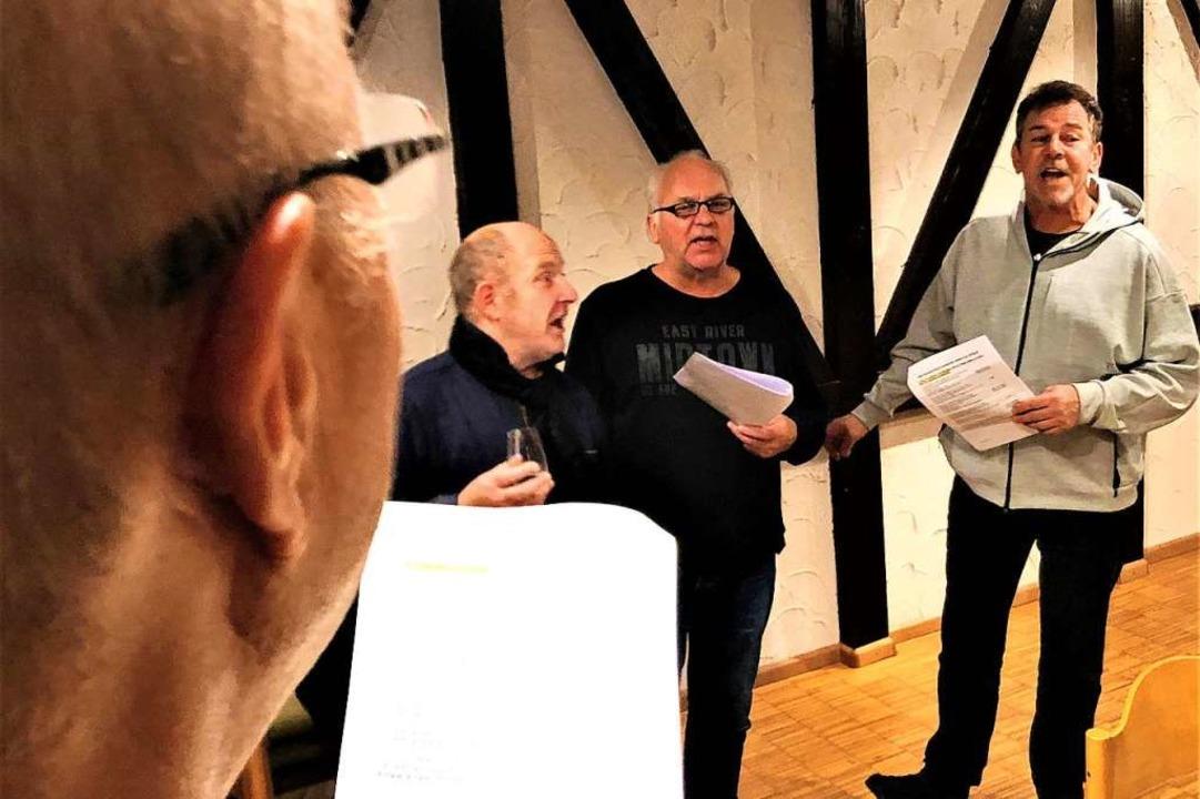 Singen will geübt sein: Andreas Glatta...ei einer Probe in der Villa Kunterbunt  | Foto: Peter Quercher