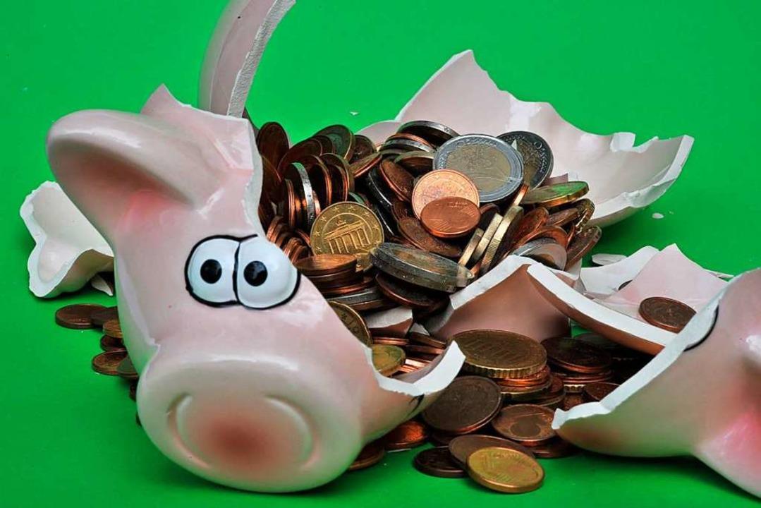 Das städtische Sparschwein wird kräfti...nen Euro sollen es nächstes Jahr sein.  | Foto: Peter Kneffel