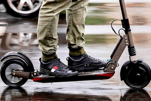 Mann fährt E-Roller ohne Versicherungsschutz durch Wehr