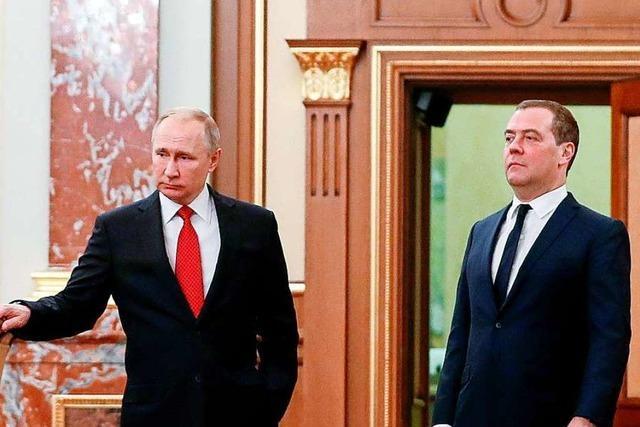Gesamte Russische Regierung will zurücktreten – außer Putin