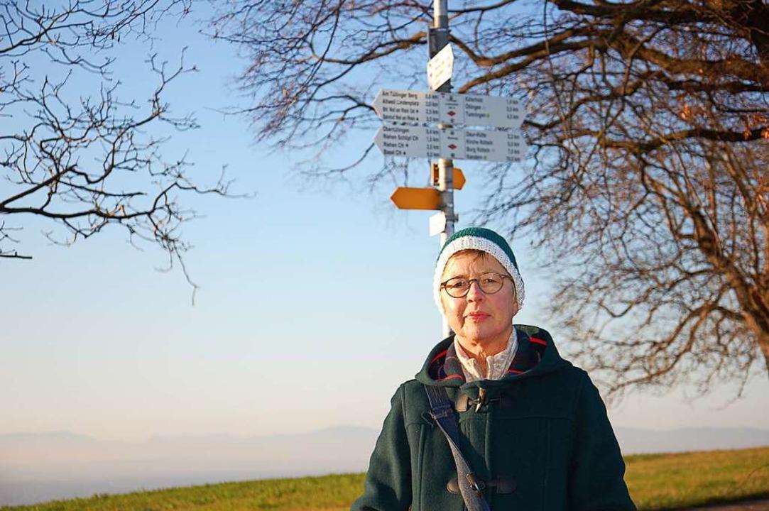 Sabine G. kann wieder am Tüllinger Ber...eren gehen. Das ging lange Zeit nicht.  | Foto: Franz Schmider