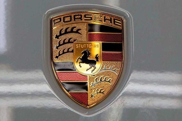 Porsche auf Supermarkt-Parkplatz in Breisach zerkratzt