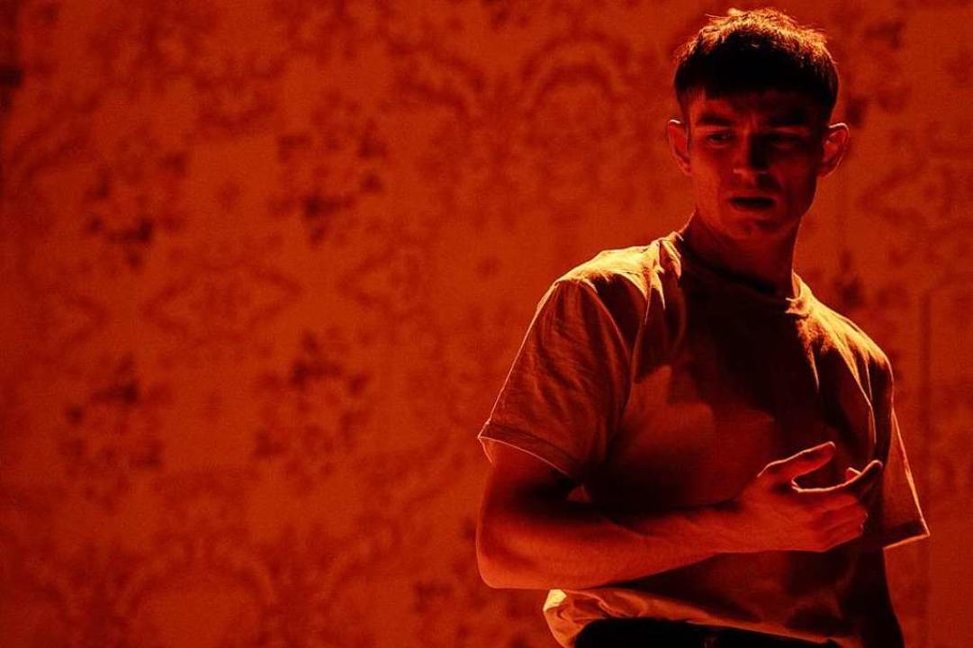Vincent zur Linden spielt den rücksich...ulien, der zum Opfer des Systems wird.  | Foto: SANDRA THEN