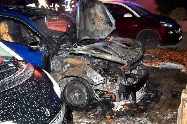 Bei der Autobrandserie tappt die Polizei weiter im Dunkeln