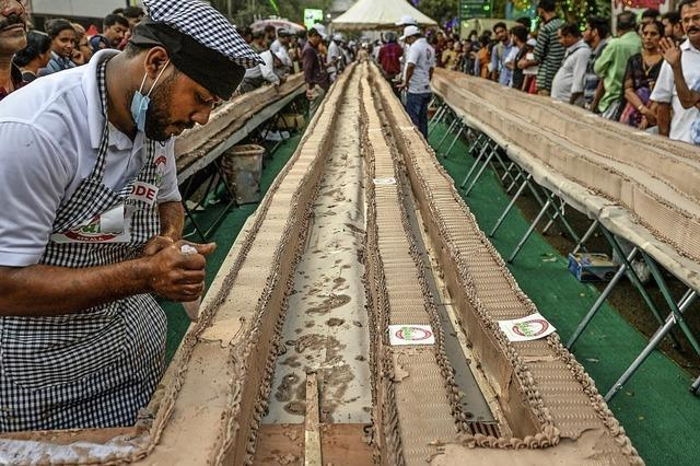 Inder backen längsten Kuchen der Welt