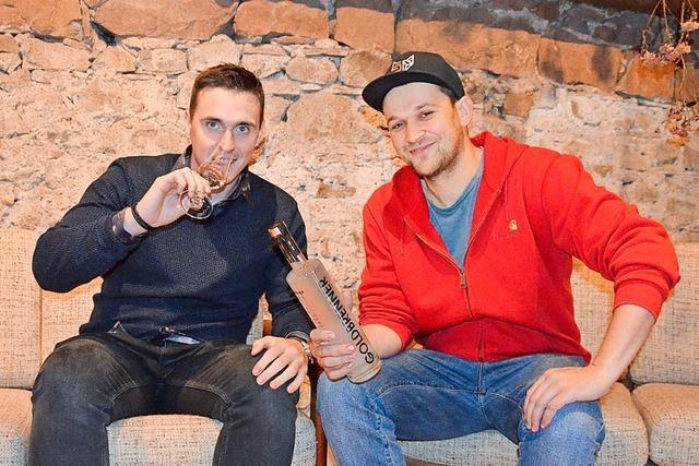 Zwei, die sich gefunden haben: Daniel Blum und Marcel Weiß vertreiben den Goldbrenner-Gin