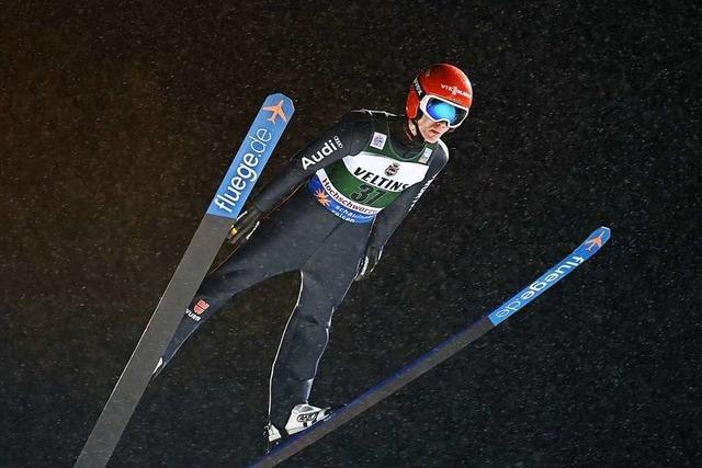 Stephan Leyhe aus Hinterzarten springt in der Quali auf Platz zwei
