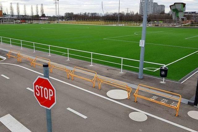Der Zugang zum Sportplatz im Lahrer Bürgerpark wird gesperrt