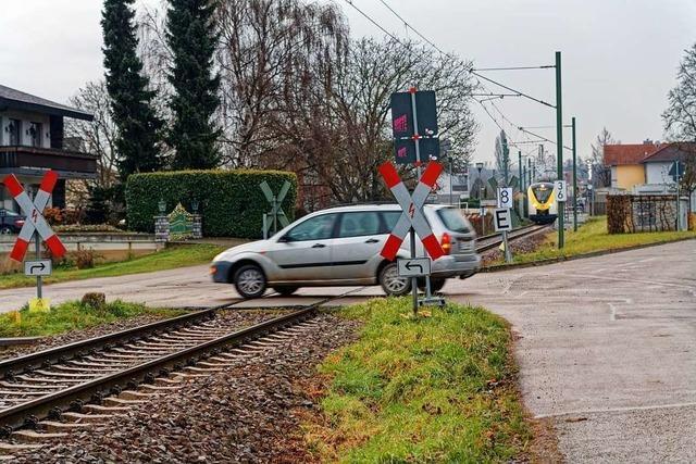 Bahnübergang am Kaiserstuhl nervt Anwohner – weil Züge hupen müssen