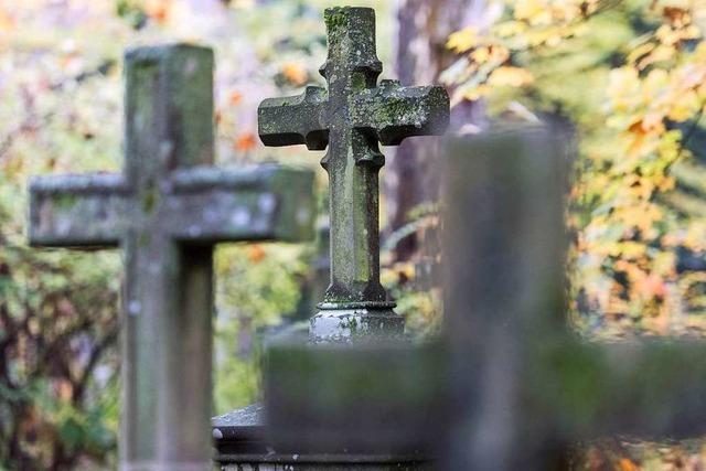 Bald finden wieder Grabmal-Kontrollen auf den städtischen Friedhöfen statt
