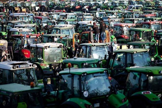 Kritik an rechtsextremer Symbolik auf Nürnberger Bauern-Demo