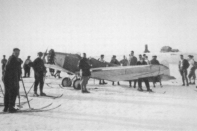 Vor 90 Jahren: Erster Flieger landet auf dem Feldberg - im Schnee