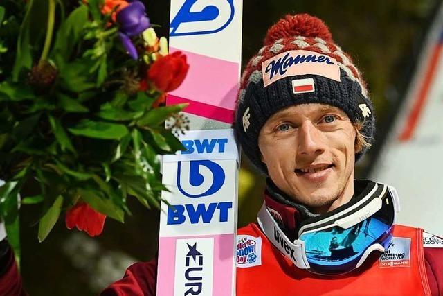 Dawid Kubacki aus Polen gewinnt den ersten Weltcup in Titisee-Neustadt