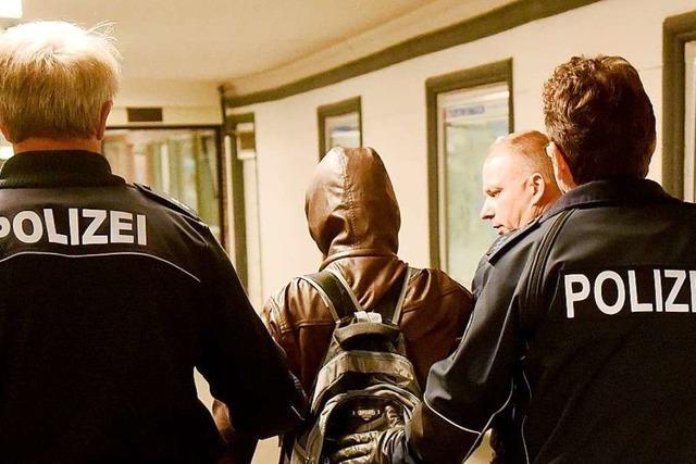 Gewalttätiger Mann verunsichert die Menschen in Wittlingen