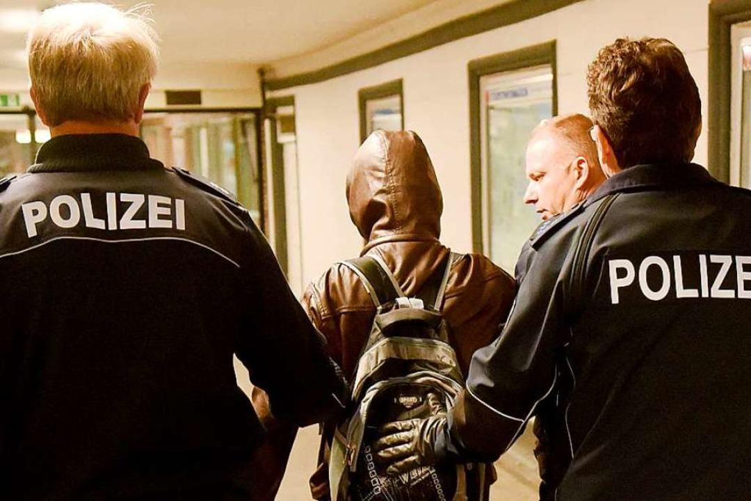 Die Polizei musste schon mehrfach wegen des  27-Jährigen ausrücken (Symbolbild).    Foto: Carsten Rehder