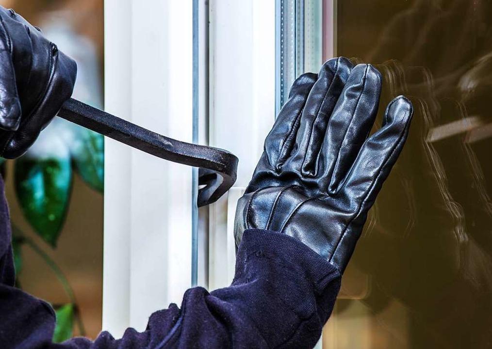 Der Täter versuchte über die Balkontüre einzudringen.  | Foto: Rainer Fuhrmann - stock.adobe.com
