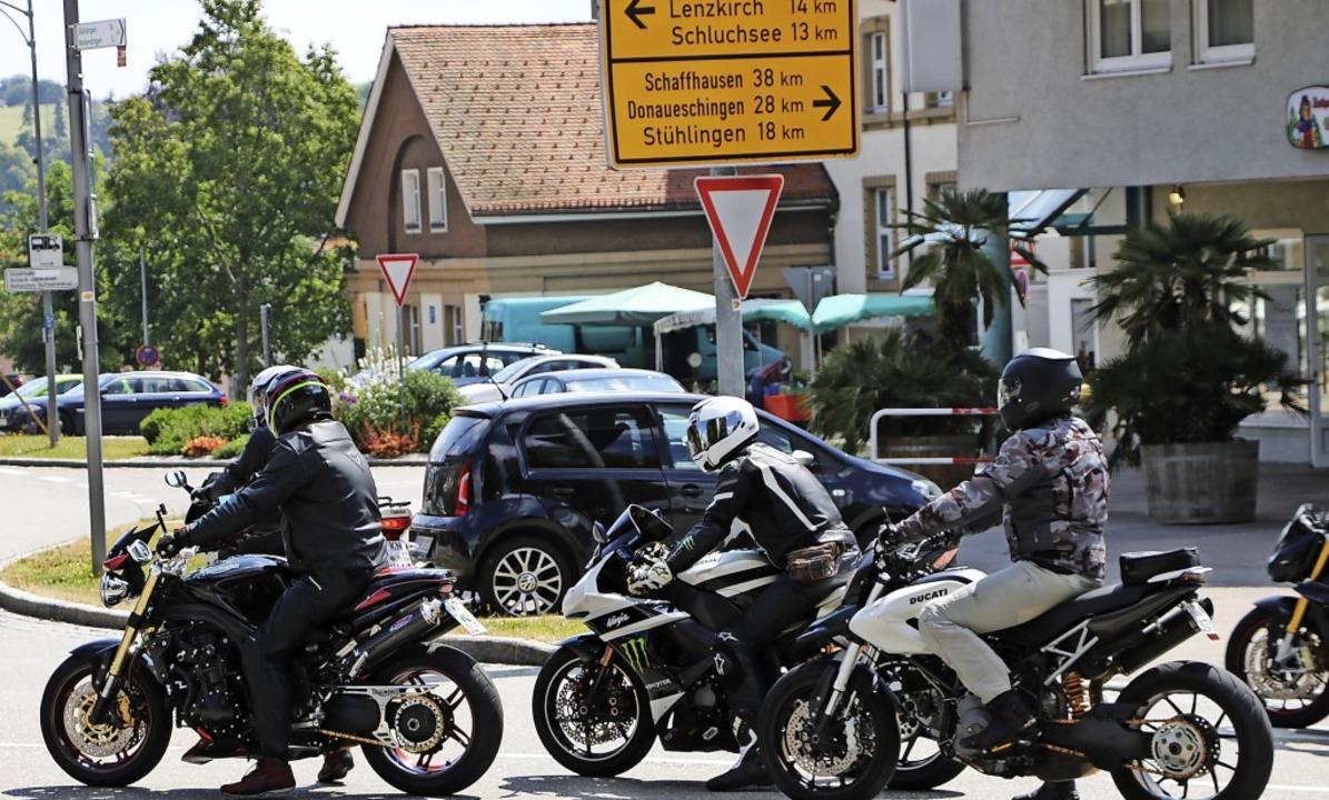 Bonndorf und vor allem der Kreuzungsbe...rung – vor allem an Wochenenden.  | Foto: Martha Weishaar