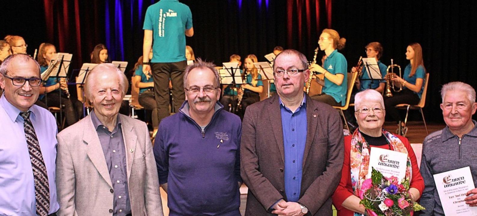 Vorsitzender Dieter Faißt (von links) ...m Musikverein Seelbach ausgezeichnet.   | Foto: Reiner Beschorner