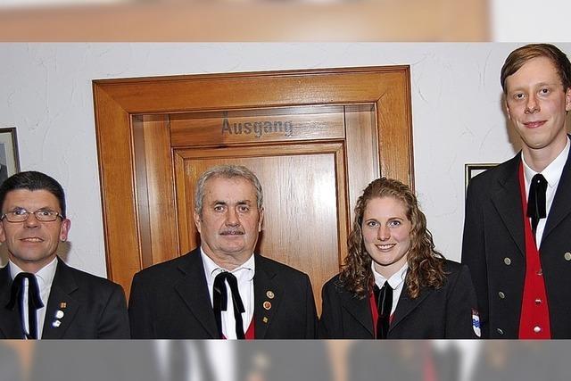Der Vorstand der Trachtenkapelle verjüngt sich