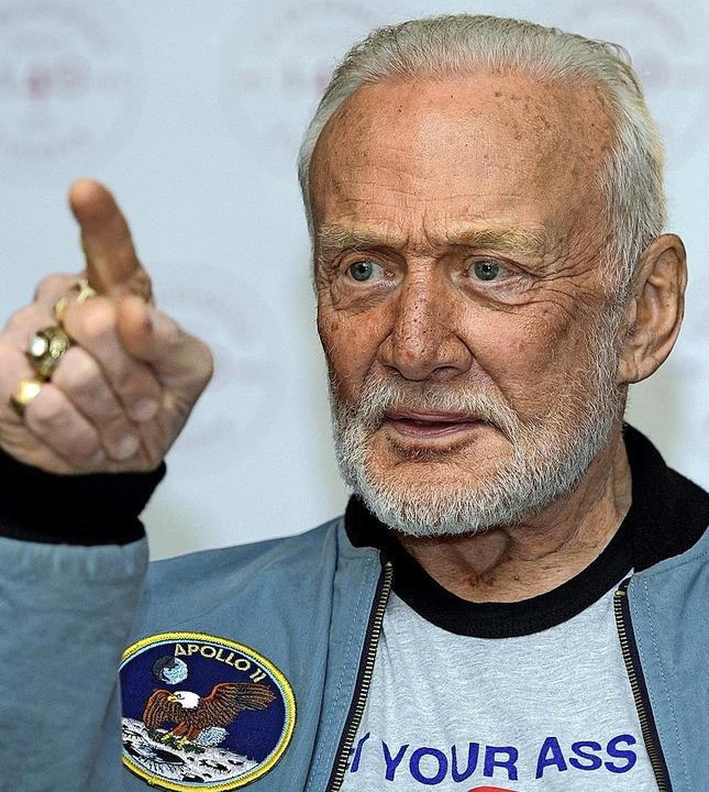 Buzz Aldrin erlebte nicht nur Höhenflüge.  | Foto: Martial Trezzini (dpa)