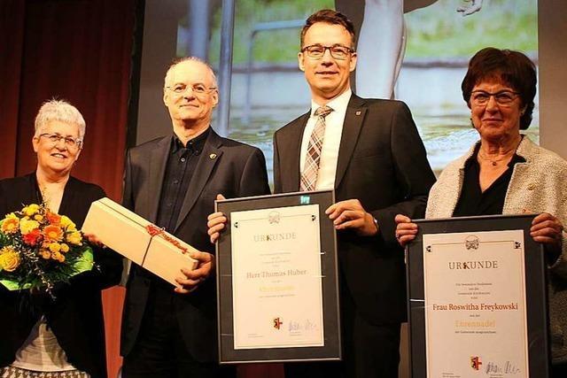 Bürgerstiftung Kirchzarten ehrt Roswitha Freykowski und Thomas Huber