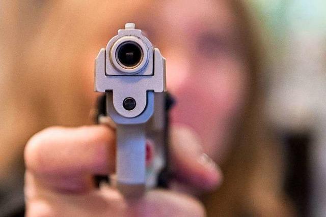 Gaststätte in der Bismarckstraße überfallen – Mann mit Pistole bedroht