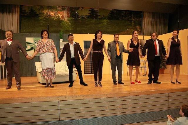 Komödie der Theatergruppe des SV-Rot-Weiß Glottertal verspricht zwei Stunden Spaß