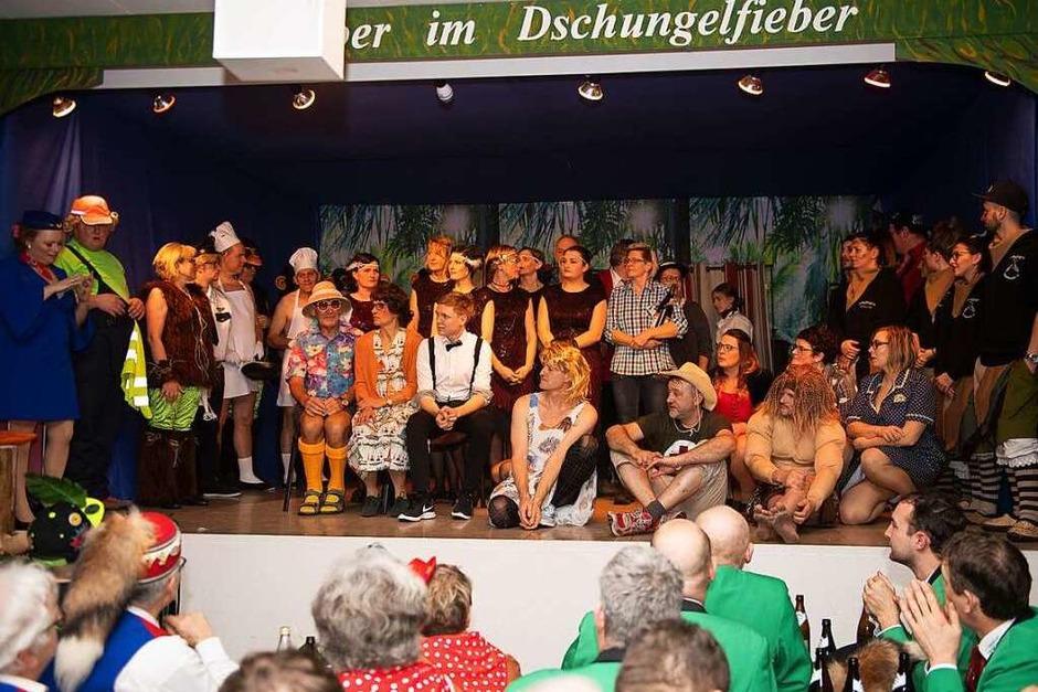 Großes Finale eines großen Zunftabends in Gündelwangen (Foto: Wolfgang Scheu)