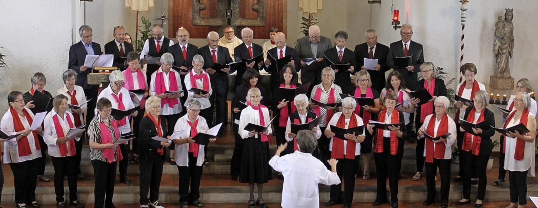 Der Kirchenchor Häusern hat viele kirchliche Anlässe musikalisch mitgestaltet.   | Foto: Cornelia Liebwein