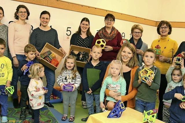 Spende für Münchweierer Kindergarten