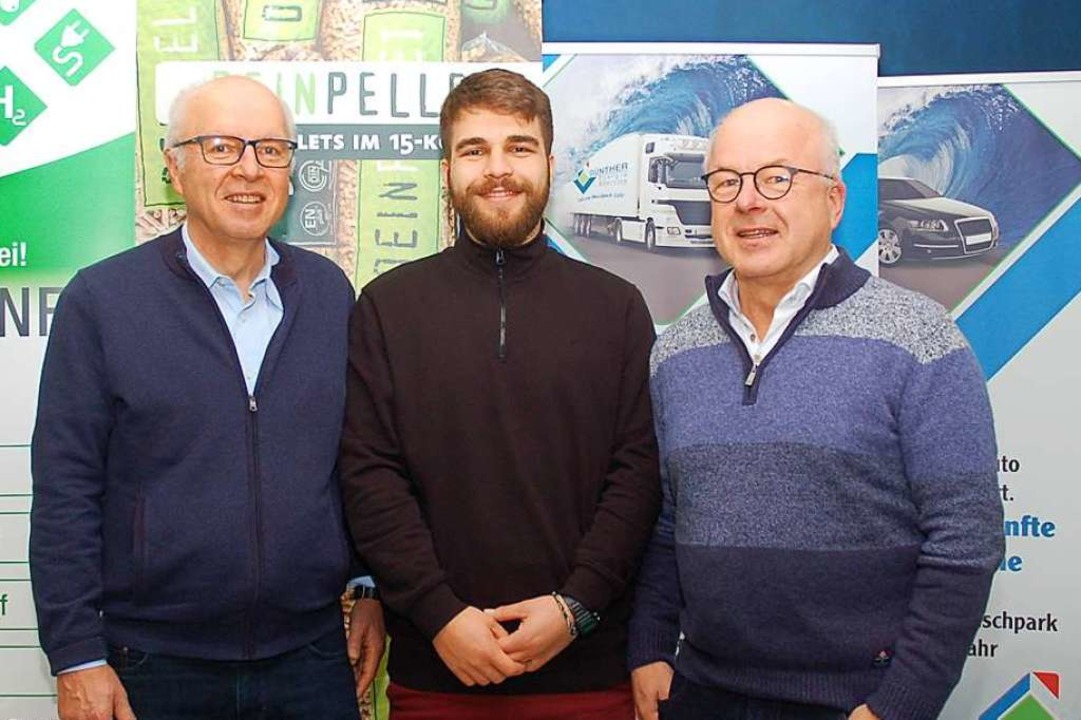 Die Drei von der Tankstelle: (von link...r, sein Sohn Niklas und Harald Günther  | Foto: Wolfgang Beck