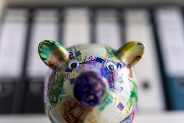 Jeder Elfte Deutsche zahlt den Spitzensteuersatz, ob Top-Verdiener oder nicht
