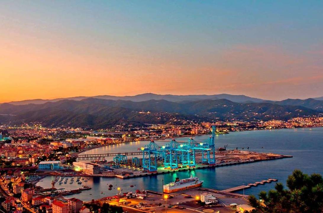 Der neue Tiefwasserhafen Vado Ligure bei Genua  | Foto: Federigo Salvadori
