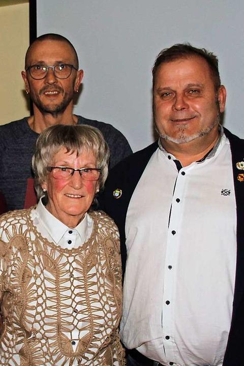Jürgen Steiner (rechts), neuer Ehrenvo... wie  Joachim Rein und Christa Maurer.  | Foto: Mario Schöneberg
