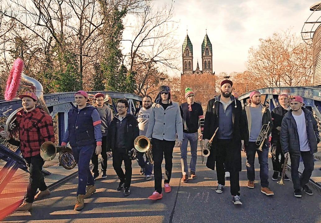 Zu den 17 Finalisten beim Woodstock de... für die junge Stühlinger Band voten.   | Foto: suedkurier