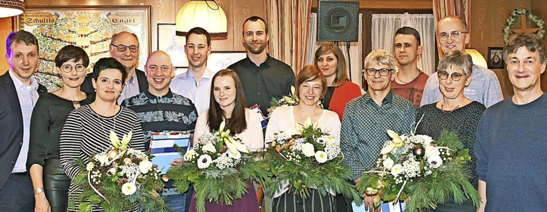 Langjährige Mitarbeiter der Steiert Pr... bei den Jubilaren und  Partnerinnen.     Foto: Firma Steiert