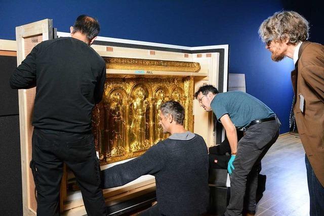 1000 Jahre alte, goldene Altartafel reist mit Polizeieskorte von Basel nach Paris