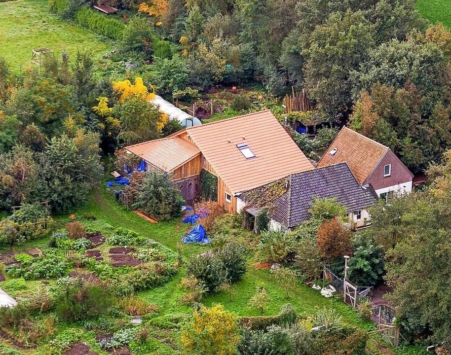 Auf diesem Hof lebte die Familie   | Foto: Wilbert Bijzitter (dpa)