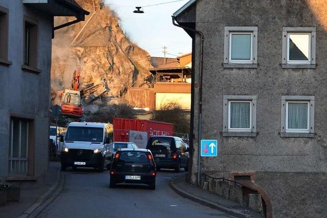 Ampel in Oberwinden erstmal nur morgens – wegen Baustellenampel in Niederwinden