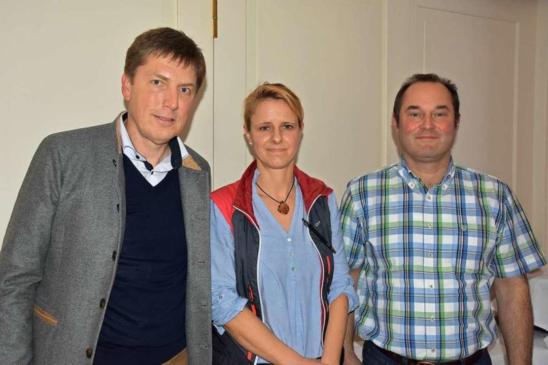 Neu im Vorstand der Holzkette sind (vo... Stefanie Willmann und Martin Rieder.   | Foto: Thomas Biniossek
