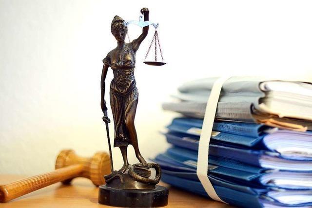 18 Monate Haft für Angriff auf Polizistin während Abschiebung