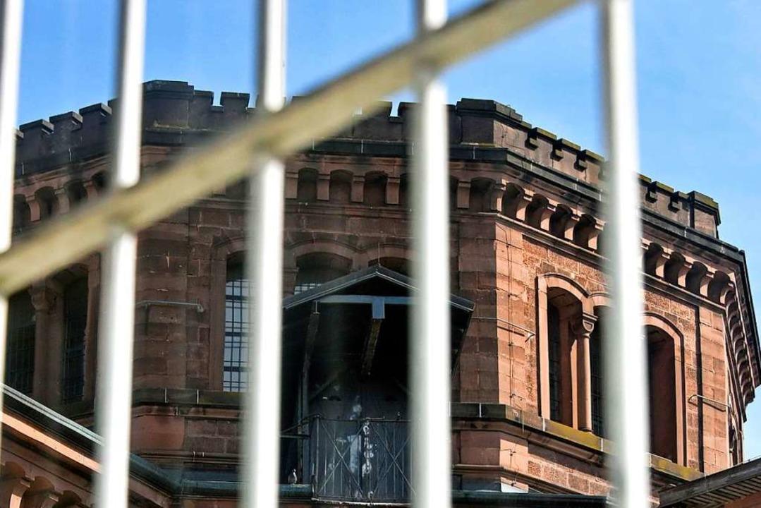Weil er Nazi-Parolen herumschrie und a...i Jahren Haft verurteilt. (Symbolbild)    Foto: Michael Bamberger