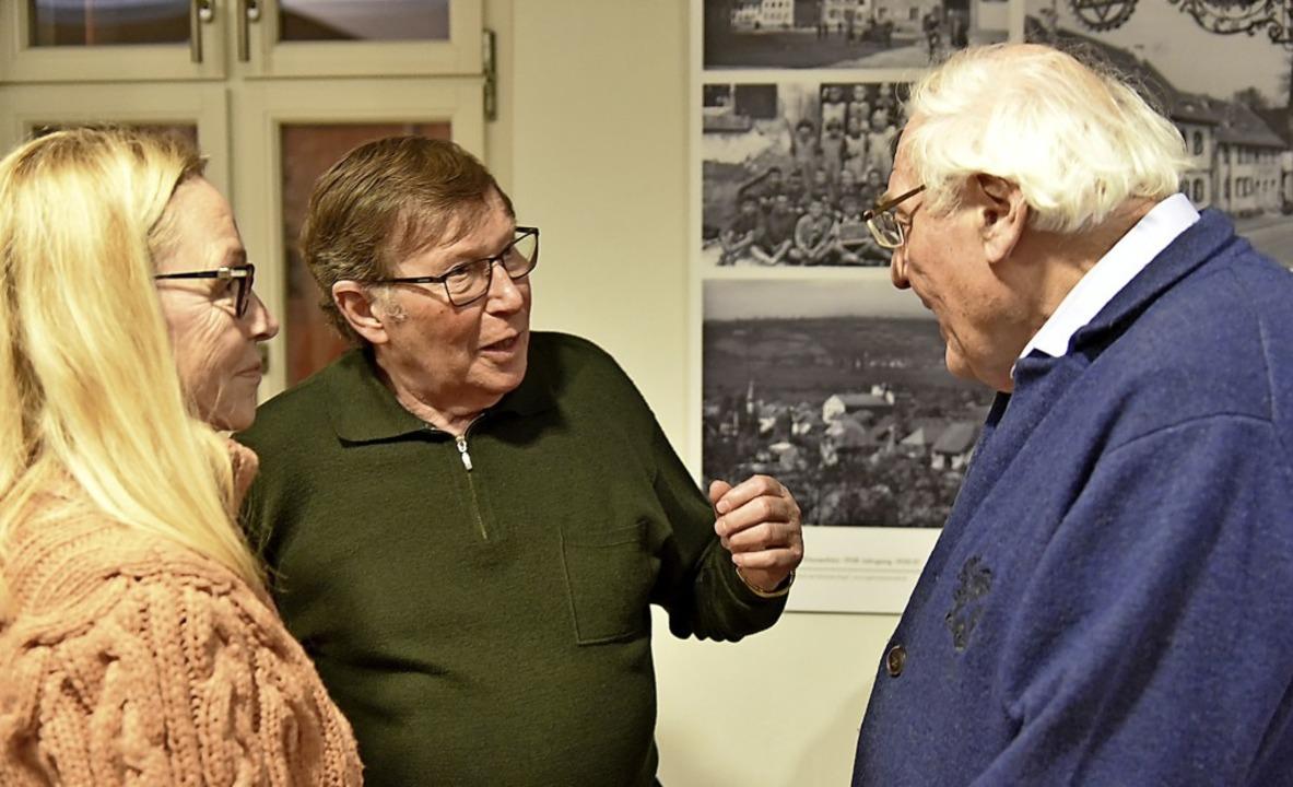 Im Anschluss an die Lesung gab es Gele...m Gespräch mit Pfarrer Günter Richter.  | Foto: Benedikt Sommer