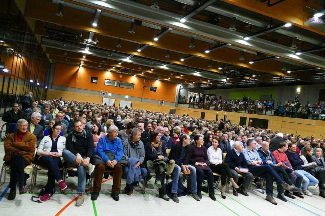 1300 Besucher kamen zur Kandidatenvorstellung in die Malteserhalle.    Foto: Sophia Hesser