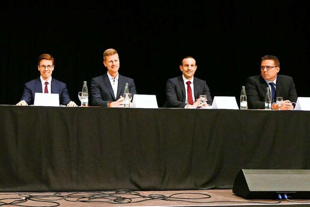 Patrick Thoma (von links), Urs Kramer,... Bürgermeister von Heitersheim werden.    Foto: Sophia Hesser