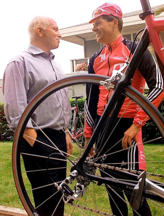 Hier ohne Milchkarton, aber mit Rennrad:  Rudy Pevenage (links) und Jan Ullrich  | Foto: dpa