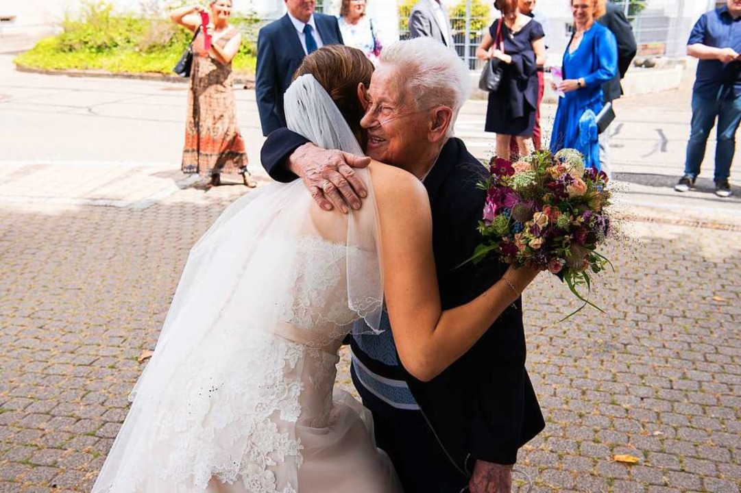 <ppp> und im Jahr 2018 bei der Hochzeit ihrer Enkelin. </ppp>  | Foto: privat