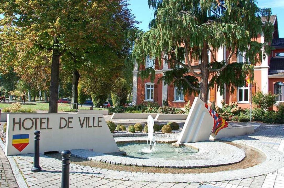 Das Rathaus in Huningue  | Foto: Annette Mahro