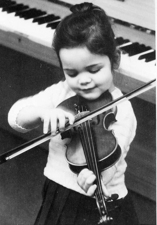Tabea Zimmermann als junge Musikerin im Alter von drei Jahren  | Foto: Privat