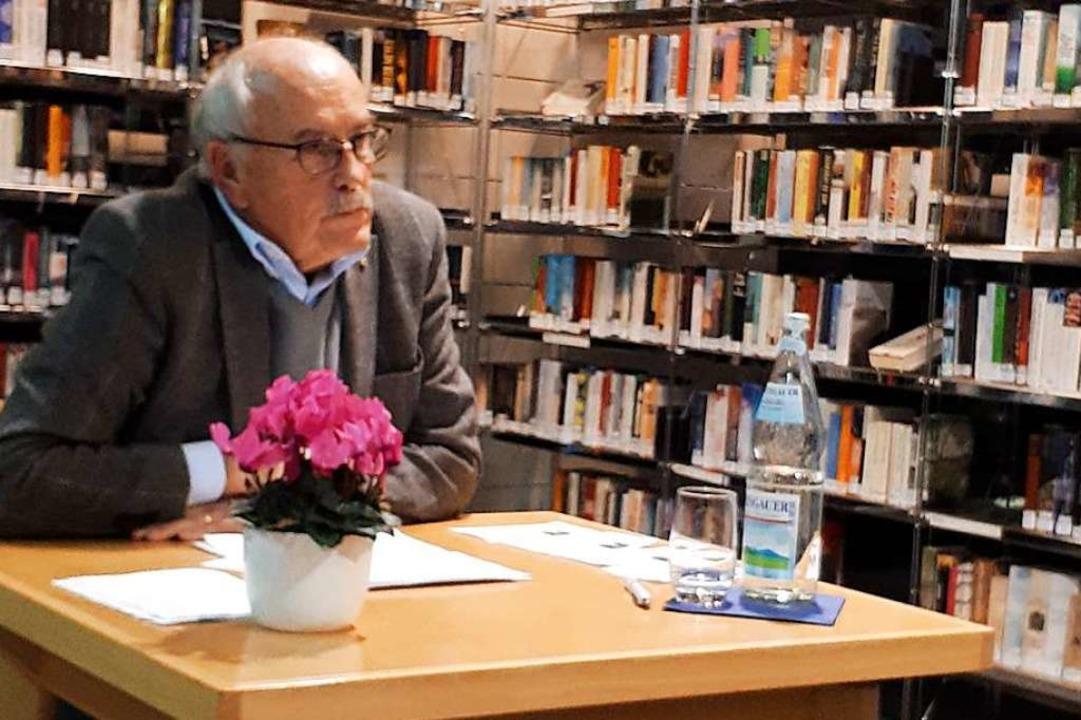 Ulrich Delhey moderierte den Abend auf unterhaltsame Weise.  | Foto: Erika Bader